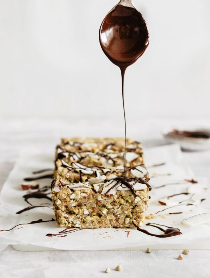 how to make delicious buckwheat bars, raw vegan bars
