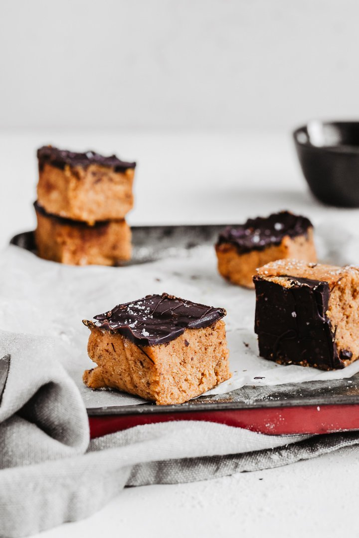 delicious vegan gluten-free healthy pumpkin fudge with chocolate