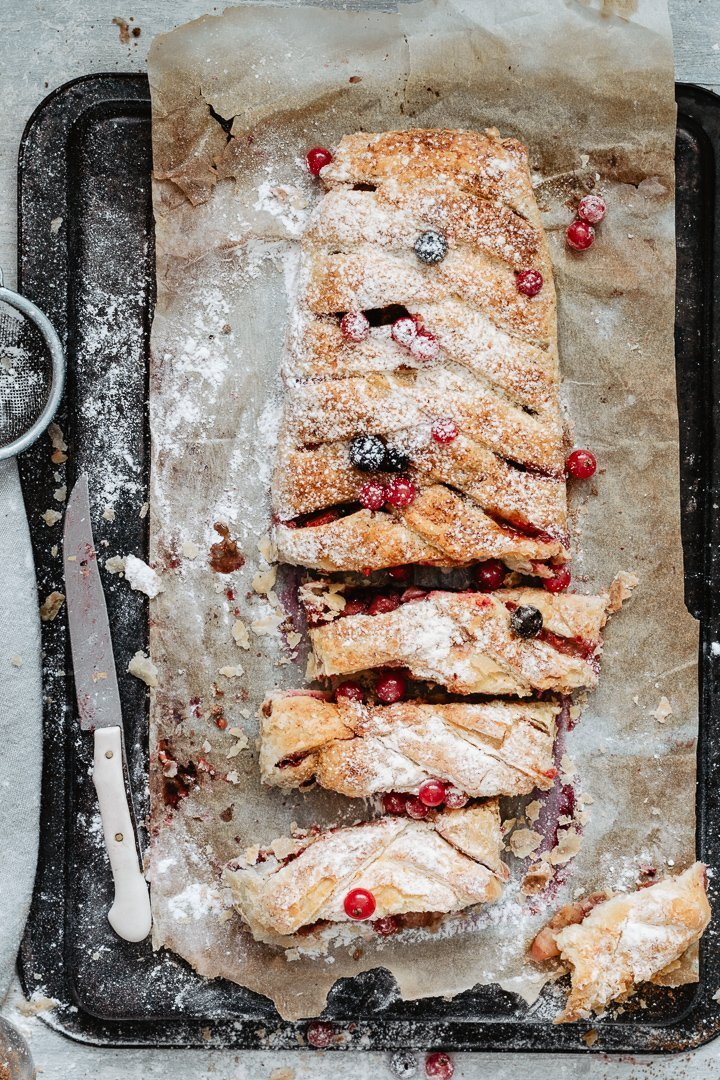 Vegan berry strudel with a twist