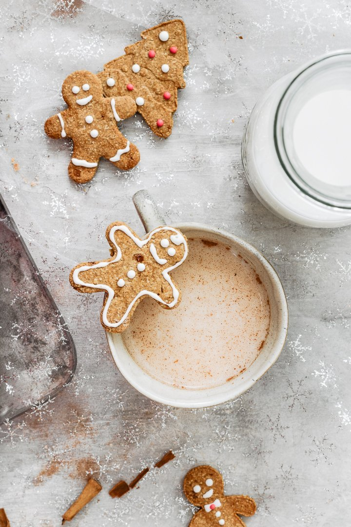 This gluten free gingerbread man is so cute: decorate it with your kids!