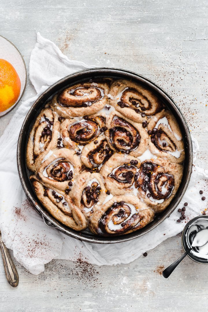 These healthy vegan cinnamon rolls are delicious and low sugar!