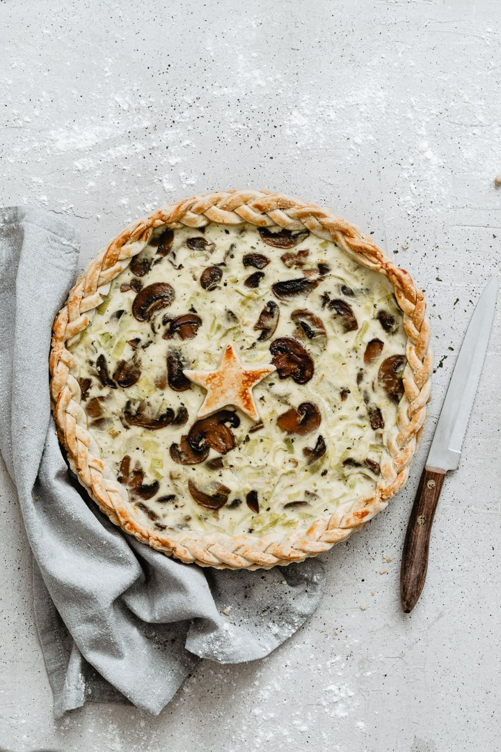 Easy vegetarian mushrooms leek quiche
