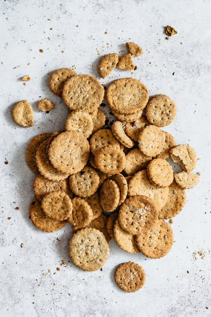 Healthy homemade crackers onto a grey surface