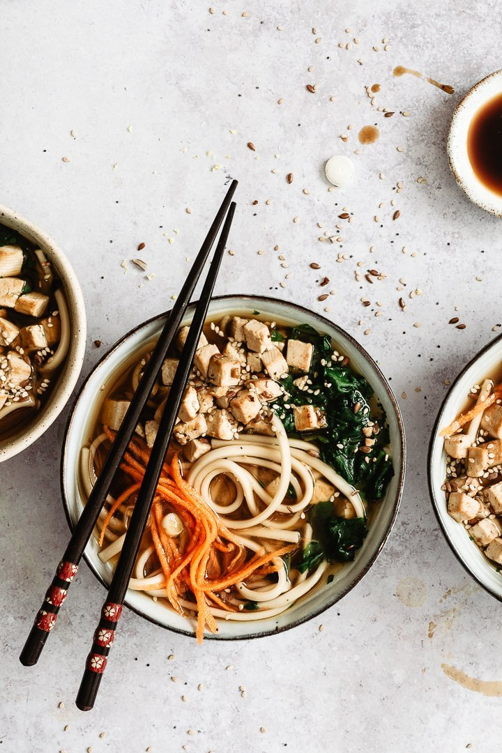 VEGAN MISO SOUP WITH TOFU AND UDON NOODLES / EASY