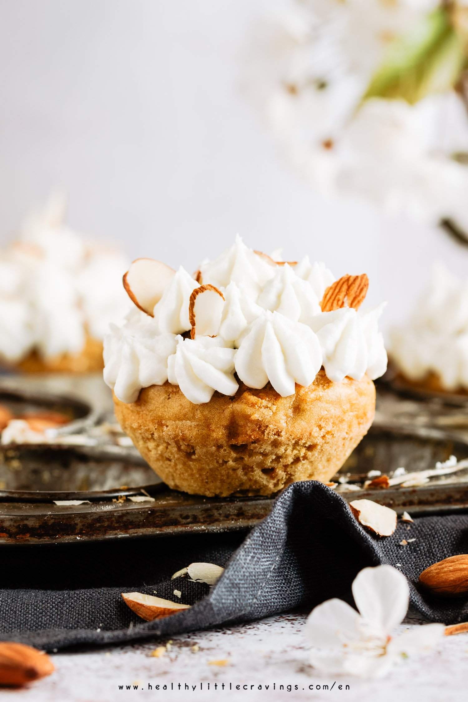 The best quick easy carrot cake muffins
