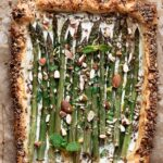 Easy asparagus tart with ricotta, mint and almonds