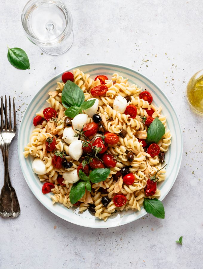 Mediterranean pasta salad with tomatoes, mozzarella and tuna